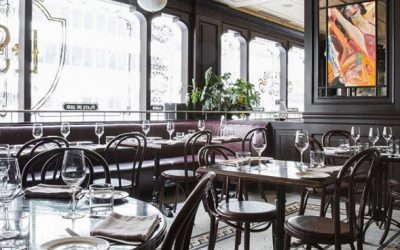La Societe features a Parisian style dining room