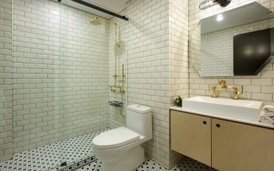boutique hotel yorkville with large bathroom